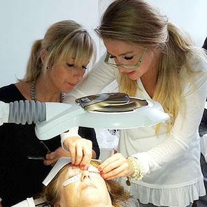 Wimpernprofi Werden - Schulungen Wimpernverlängerung - Beauty Bonn - Pureline